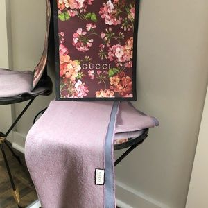 Gucci  Scarf excellent condition